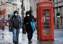 Новая волна коронавируса может убить десятки тысяч человек в Великобритании к концу лета, если изоляция будет полностью снята слишком рано, предупреждает эксперт Имперского колледжа