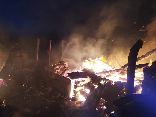Один человек погиб, один пострадал в вечерних пожарах в Чувашии