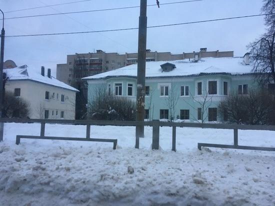 Городские службы начали вывозить снег из Смоленска: минус 623 кубометра