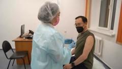 Айсен Николаев получил второй компонент вакцины от COVID-19