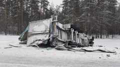 Столкновение двух фур привело к смерти водителя в Вологодской области: видео
