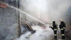 Пожар уничтожил крупный рынок в Волгограде: погибла женщина