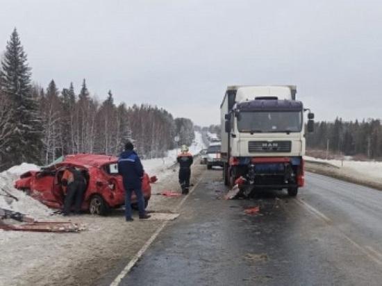 Женщина пострадала в аварии с грузовиком под Томском