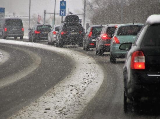 Девятибалльные пробки сковали улицы Томска утром в среду