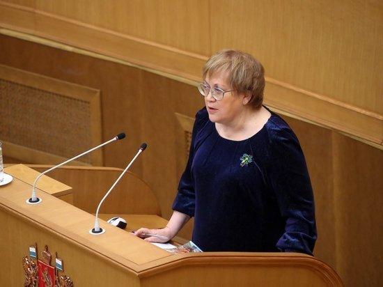 Свердловчане жаловались на здравоохранение, аварийное жилье и мошенничество