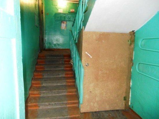 В Чебоксарах самовольные кладовки в подвалах домов сносят через суд