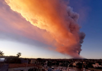 Извержение Этны, начавшееся во вторник вечером, заставило специалистов еще раз вспомнить об опасности, которую представляют активные вулканы