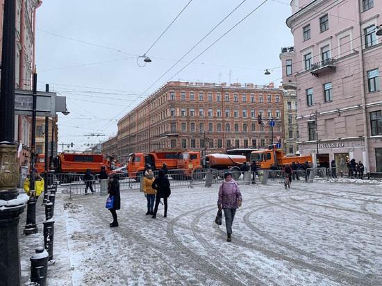 """""""МК в Питере"""" напоминает, за что спикер петербургского парламента не устает благодарить полицию и Росгвардию"""