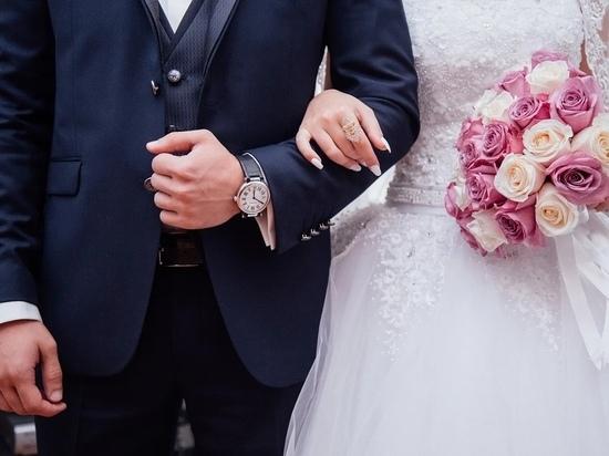 Жители Калужской области стали реже жениться и разводиться
