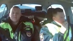 Вологодские полицейские сопроводили беременную женщину до роддома: видео