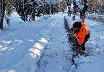 Вместе с проблемами снегопад принес и робкую надежду для крымчан