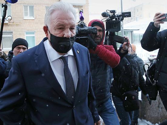 Бывшему полпреду Виктору Ишаеву вынесли приговор за растрату
