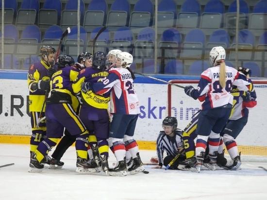 Виктория в Воскресенске: красноярские хоккеистки обыграли команду «7.62»