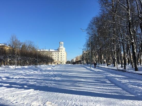 Власти Смоленска объявили круглосуточный режим уборки снега на улицах