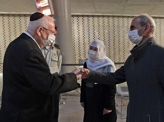 """""""Найти пропавших без вести солдат в пределах наших границ и за их пределами и доставить их для захоронения в Израиле - это священный долг, которому нет конца"""""""