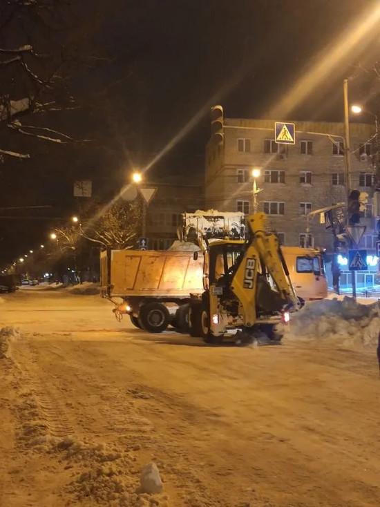 Водителей Калуги просят убрать машины с шести улиц и одного моста