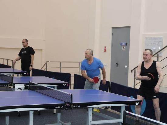 Бесплатные тренировки по настольному теннису для пенсионеров организовали в Надыме