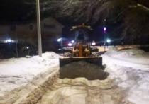 Дорожная техника расширила тротуары в Серпухове