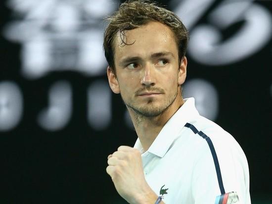 Российский теннисист теперь сыграет с Джоковичем в матче за титул