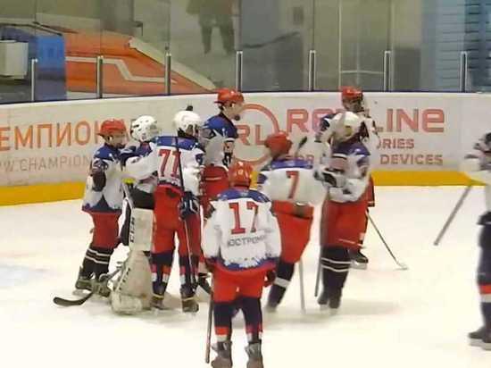 Костромские хоккеисты-юниоры взяли «серебро» на межрегиональном турнире «Золотое кольцо»