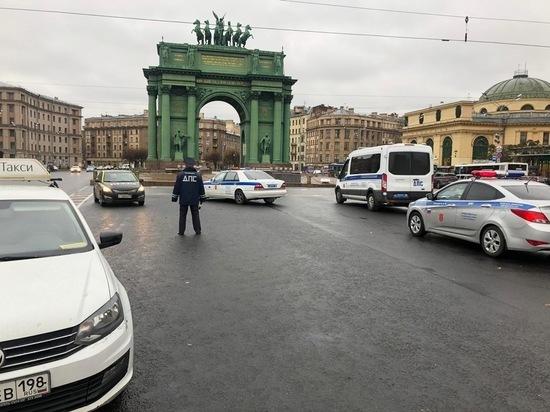 Петербуржцев попросили оценить «Моральный кодекс таксиста» в обмен на призы