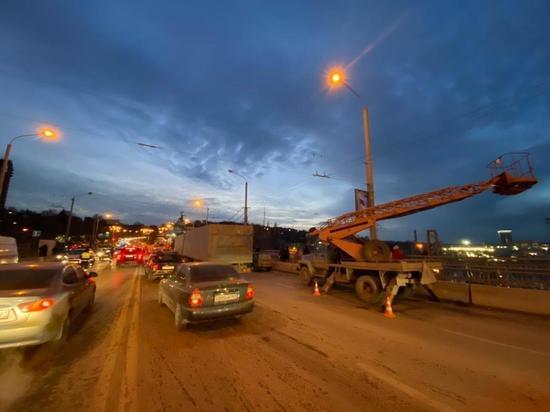 Возбуждено уголовное дело по факту гибели двух рабочих на мосту Стачки