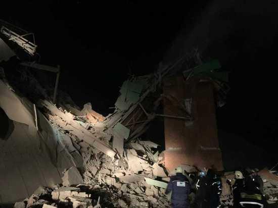 После обрушения фабрики в Норильске скончался один из работников