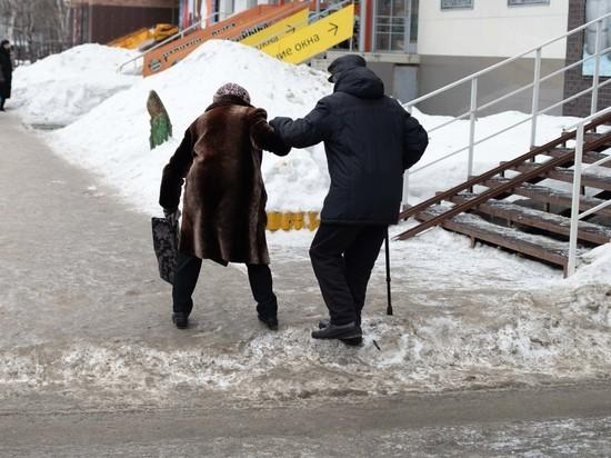 Более 2,5 тысяч человек травмировались на скользких улицах Барнаула