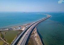 На Крымском мосту полностью возобновили движение автомобилей