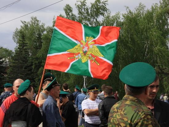 Вспоминая подвиг на заставе: в Алтайском крае почтили память героя-пограничника
