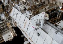 «Две трещины подтверждены, третью ищем», - сказал «МК» один из специалистов Роскосмоса по поводу поиска мест утечки воздуха из российского модуля «Звезда», а точнее, из его переходного отсека ПРК