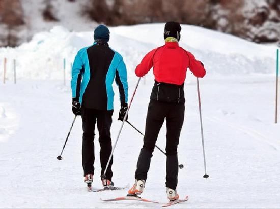Врачи рекомендуют жителям Ямала во время праздников кататься на лыжах