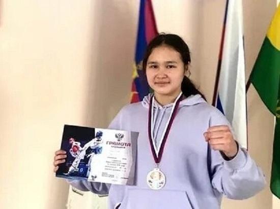 Калмыцкая тхэквондистка завоевала бронзу на чемпионате ЮФО