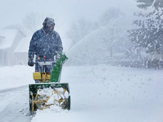 Томские коммунальщики активно расчищают город от снега