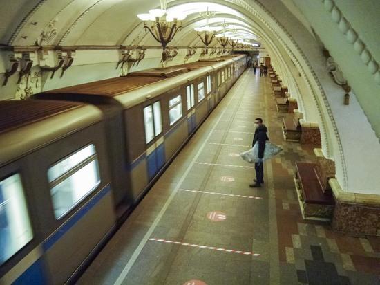 Психолог рассказал, как можно предотвратить суициды в метро