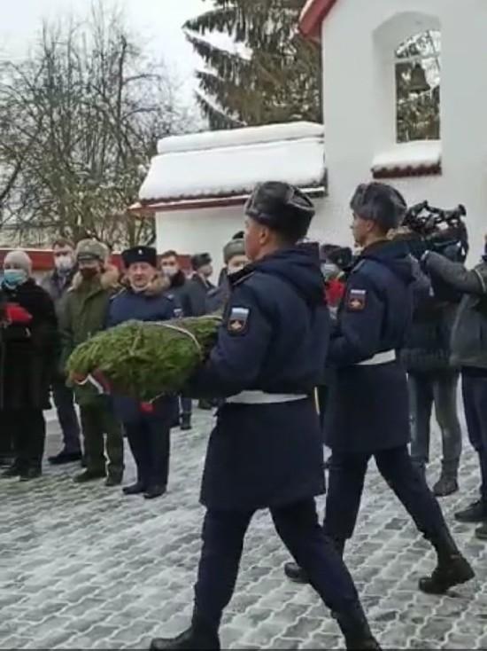 В Пскове проходит митинг в День памяти воинов-разведчиков