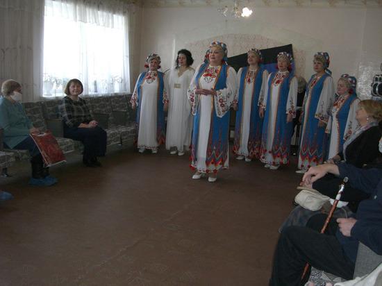 В донецких центрах соцобслуживания провели праздничные мероприятия