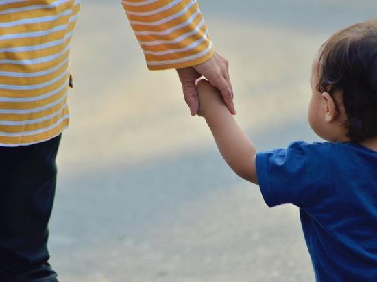 Первые сертификаты регионального маткапитала получили две семьи из Удмуртии
