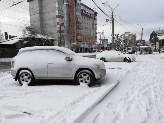 Снег с дорог Читы из-за жалоб водителей будут убирать по ночам