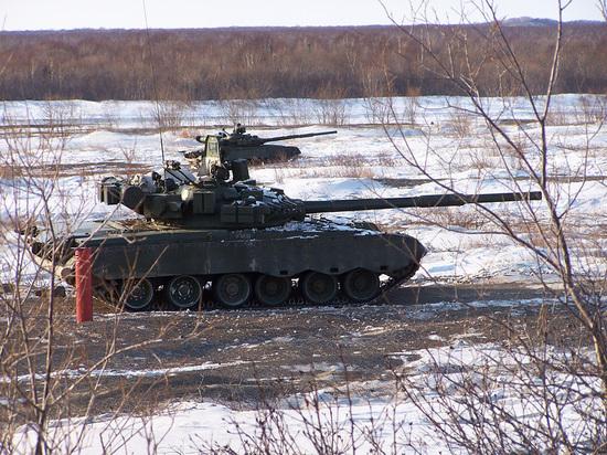 Камчатские танкисты сдали боевой экзамен