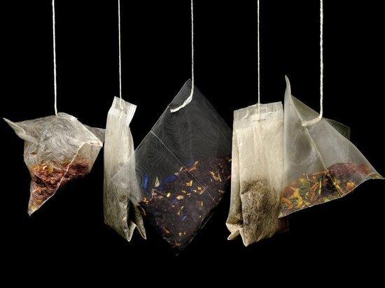 Оренбургским мужчинам подарили чайные и прочие наборы
