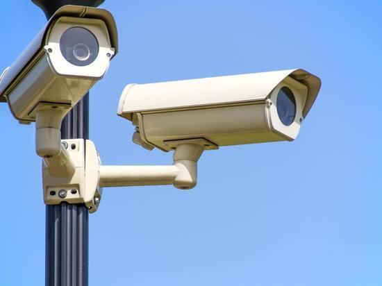 Драку девочек на Сахалине видел охранник по камерам, но не прекратил