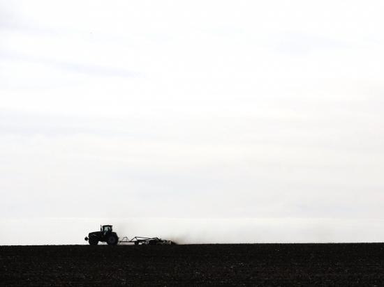 Подготовка Волгоградской области к весенним полевым работам была сегодня в центре внимания на оперативном совещании, проведенном губернатором Андреем Бочаровым