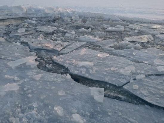 В Калмыкии погиб мужчина, провалившись под лед
