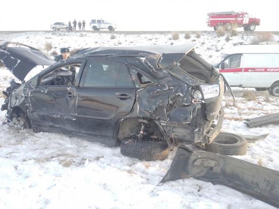 В Туве в ДТП c участием «Лексус RX330» погибла 26-летняя женщина