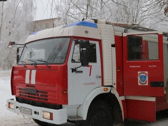 В Смоленске на улице Попова загорелась постель