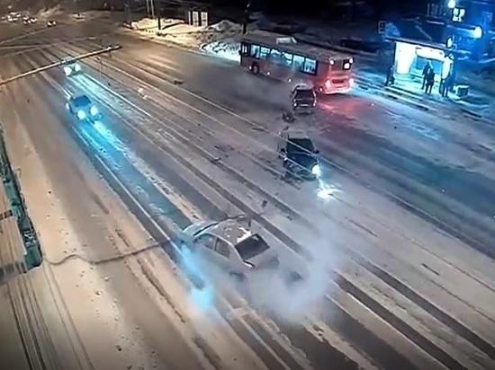 СК по Нижегородской области возбудил дело после смертельного ДТП на нечищеной дороге