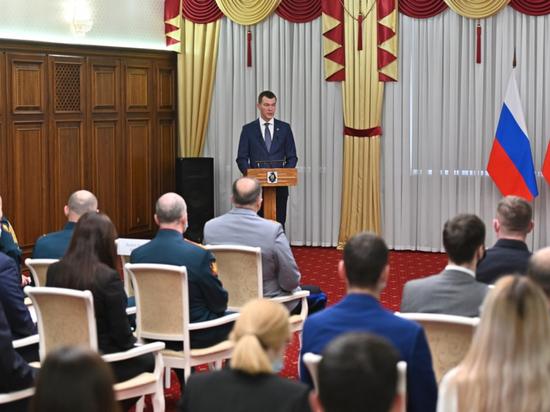 Михаил Дегтяев пожелал хабаровчанам успехов в службе и труде на благо Родины