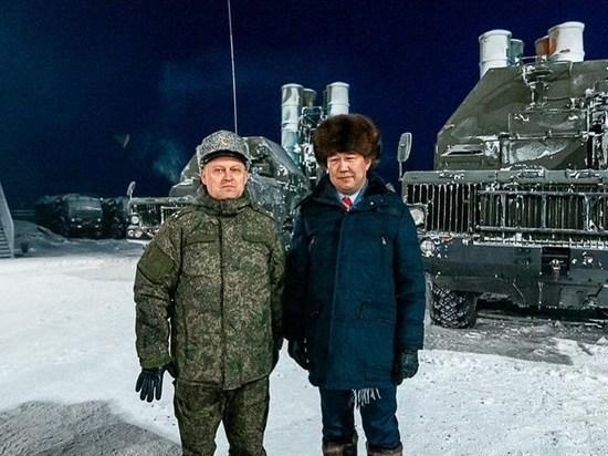 Айсен Николаев поздравил с Днём защитника Отечества