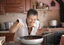 Наблюдение за приготовлением пищи чревато перееданием